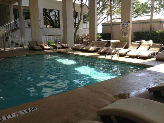 The Westin Hilton Head Island Resort & Spa: Covered pool area