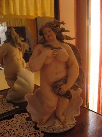 Donnaciccina Accomodation: aphrodite