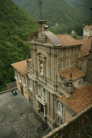 Hotel Scapolatiello : Die 2min vom Hotel befindliche sehr sehr alte Abtei (kann besichtigt werden!).