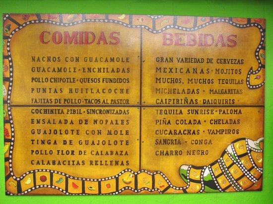 La Mordida: Cartel con parte de la oferta gastronómica.