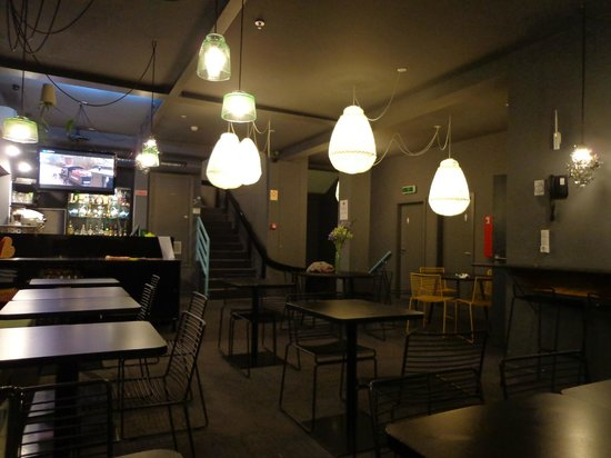 Tattva Design Hostel: Área do café da manhã e do restaurante
