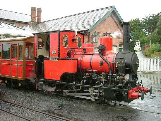 Talyllyn Railway : No.6 Douglas at Tywyn Station.