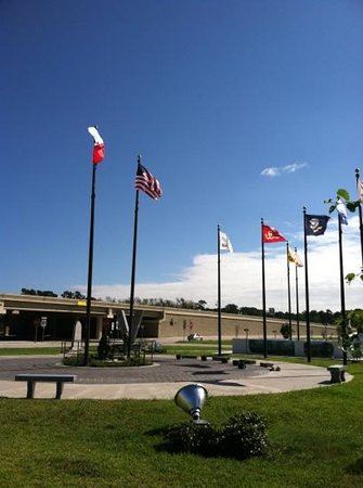 Vidor, TX: posted flags
