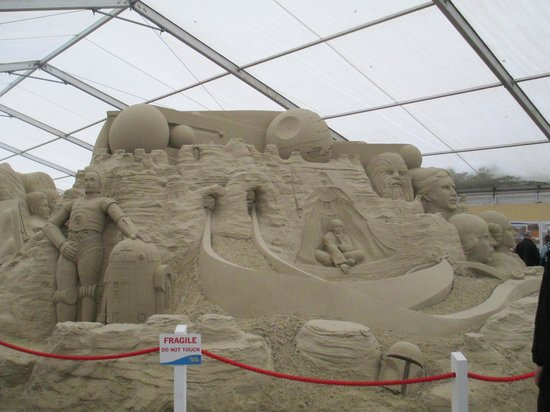 star wars in sand picture of sandworld sculpture park weymouth