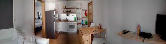 Park Lane Aparthotel : Wohnzimmer mit Küche