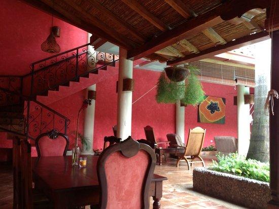 Hotel Casa del Consulado : Desayuno de lujo en patio con piscina