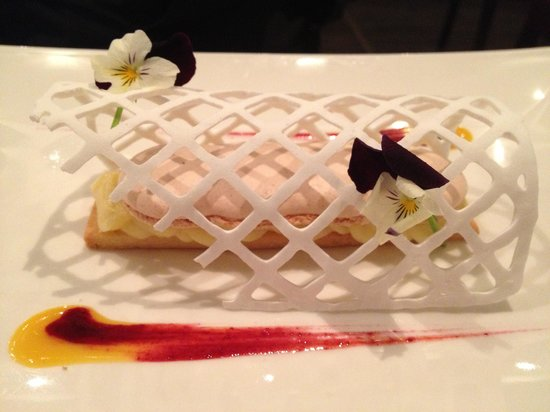 Best Western Plus Hotel Des Francs : Tarte au citron revisite ! Magnifique et excellent !