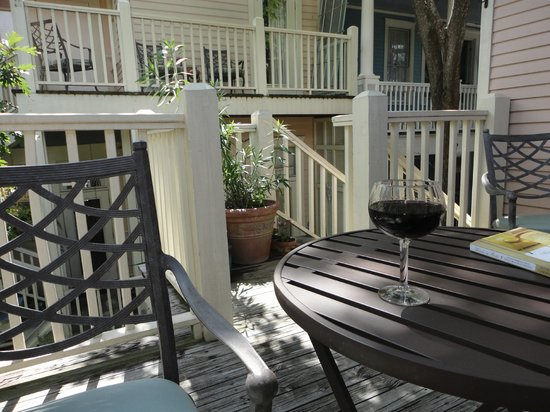 Catherine Ward House Inn: Private deck