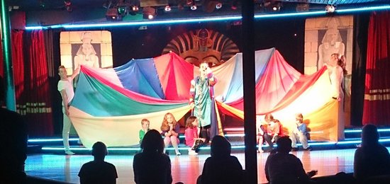 Welcome Family Holiday Park: Joseph show