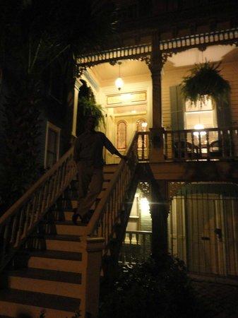 Catherine Ward House Inn: Inn at night