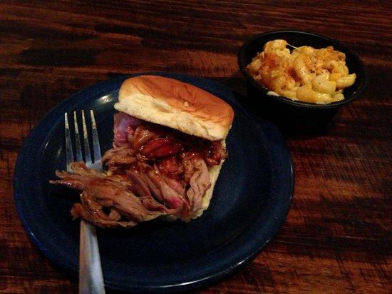 Syracuse, État de New York : D BBQ