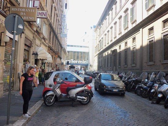Hotel Urbis: Rua do Hotel
