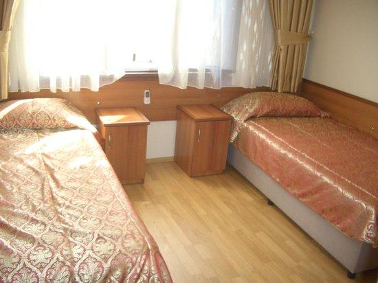 Merih 2 Hotel: 室内(ツインルーム)