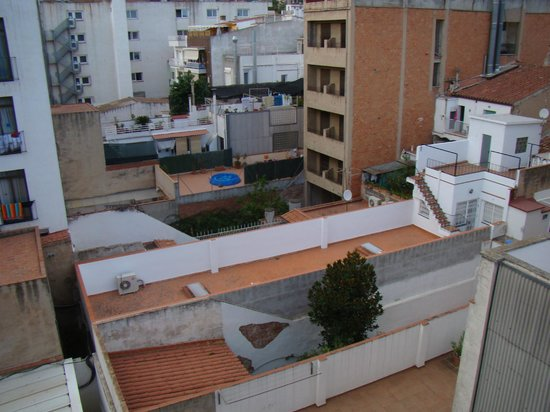 SERHS Vila de Calella : вид из окна на внутренний двор