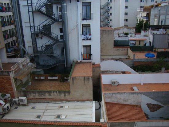 SERHS Vila de Calella : вид из окна во внутренний двор
