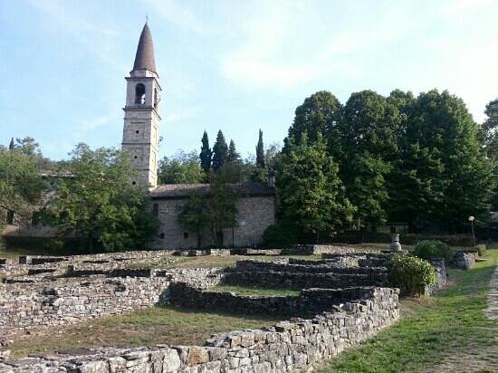 Lugagnano Val d'Arda, Olaszország: ruins of antic city