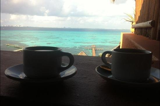 Casa de Los Sueños : Our Complimentary Morning Coffee and Amazing Balcony View