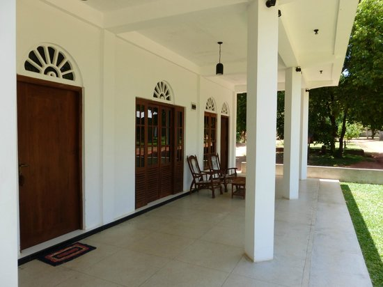 Hotel Suwahasa: L'accès à la chambre