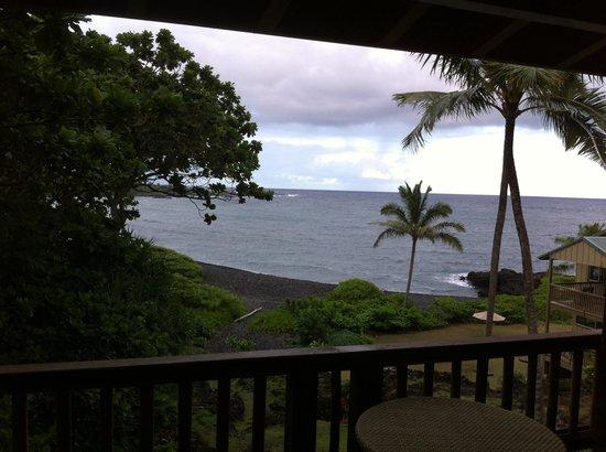 Bamboo Inn on Hana Bay: Balcony