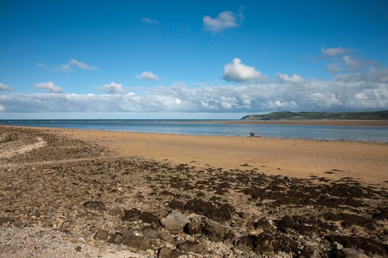 Plas Llanfair Holiday Cottages: Benllech beach