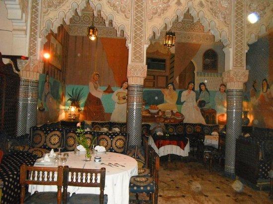 DAR SAADA: Restaurant