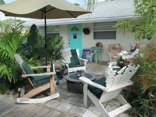 Mango Street Inn: One of several gathering areas to enjoy with other guests