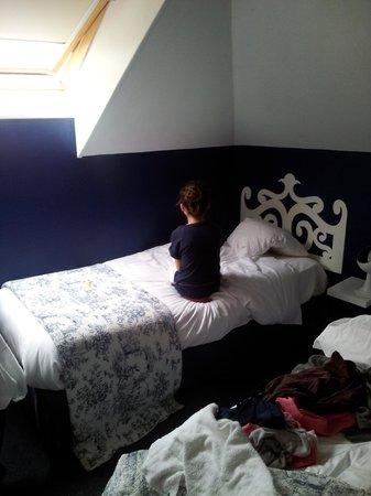 Hotel de Paris: lit simple que pour un enfant ou une personne de toute petite taille