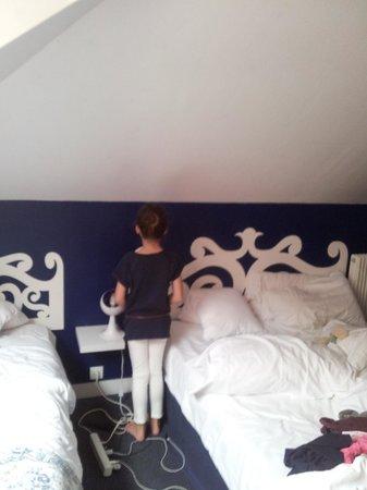 Hotel de Paris: Ne pas se lever la nuit risque d'être assommé. Ma fille fait 1m26.
