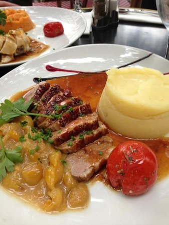 Relais De La Butte: duck breast