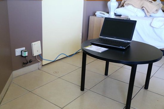 Ocean International Hotel: How I had to setup laptop!