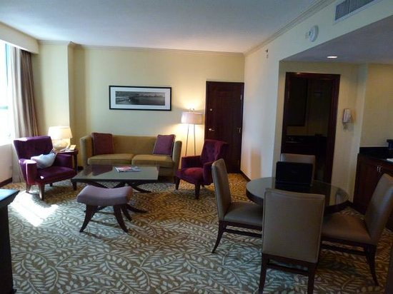 Panama Marriott Hotel: living/dining area of our suite