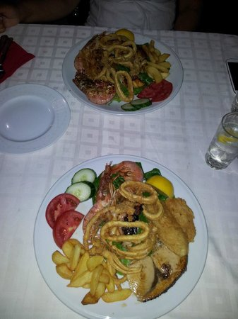 Restaurant Creta: Fischteller