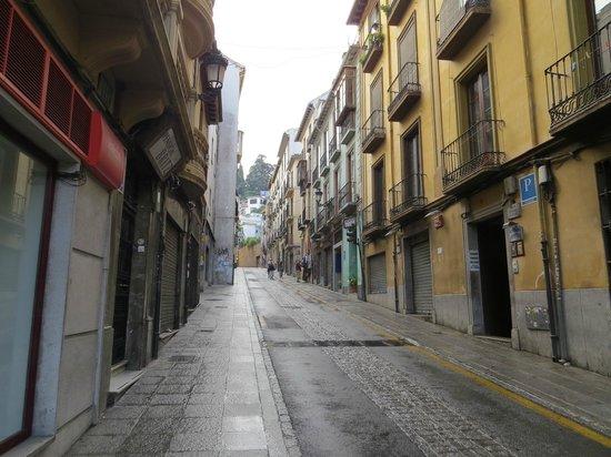 Puerta de Las Granadas: Улица