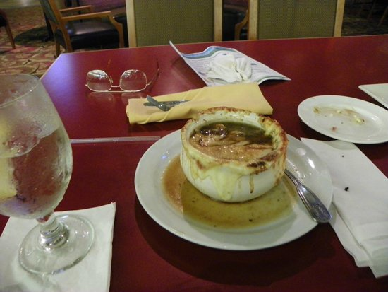 Embassy Suites by Hilton Boca Raton: French onion soup 7.00 ..4/10