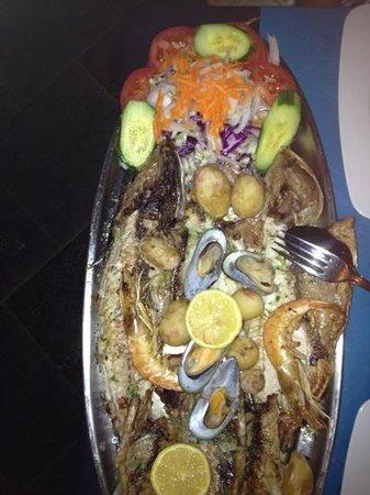 Cofradia de Pescadores : mixed grilled platter. delicious!