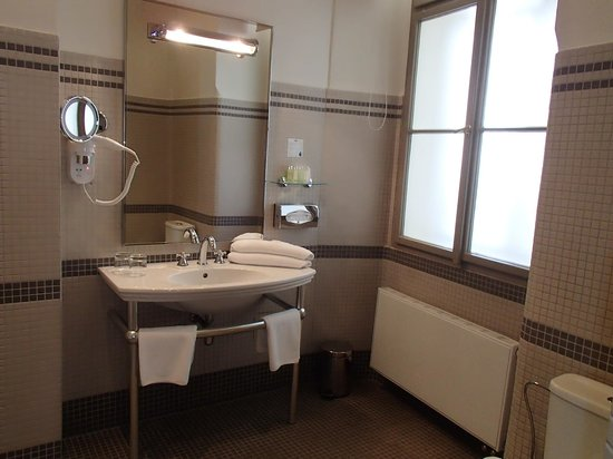 Iron Gate Hotel & Suites: Bathroom