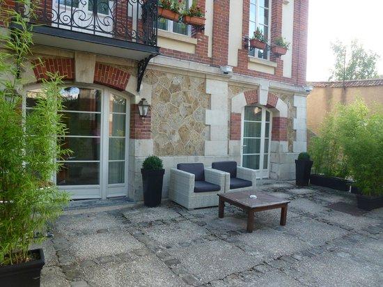 La Villa Eugene : Outside room patio area