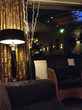 Owl Hotel: hall