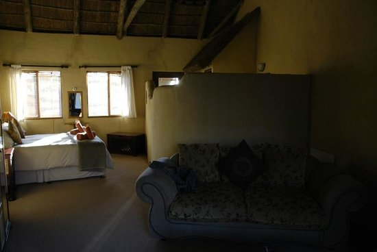 Elephants Footprint Lodge: Salottino