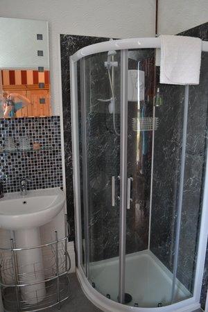 Rainbow Ridge Guest House : Bathroom