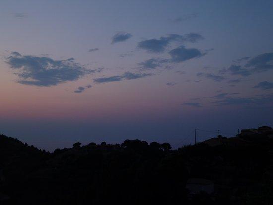 Hotel Villa Rita: quel che resta... dopo il tramonto