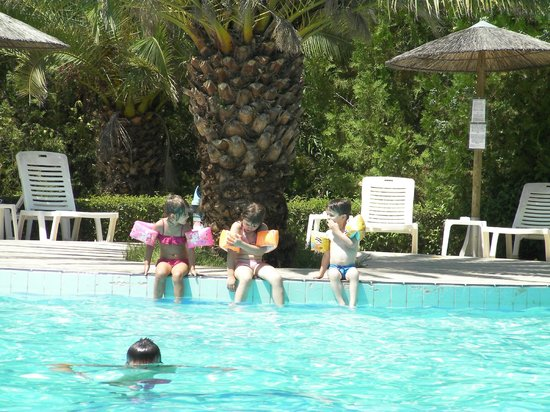 Ioannis Hotel: Our children playing at the pool