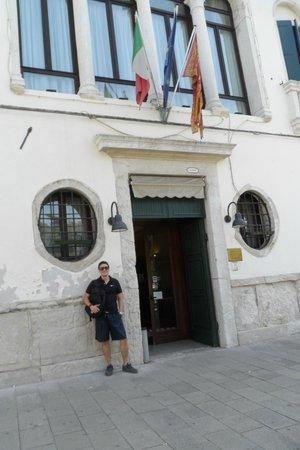 Casa Sant'Andrea: La entrada del hotel