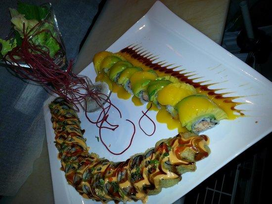 Casa Asia: This is Lobster Mango Roll &Godzilla Roll