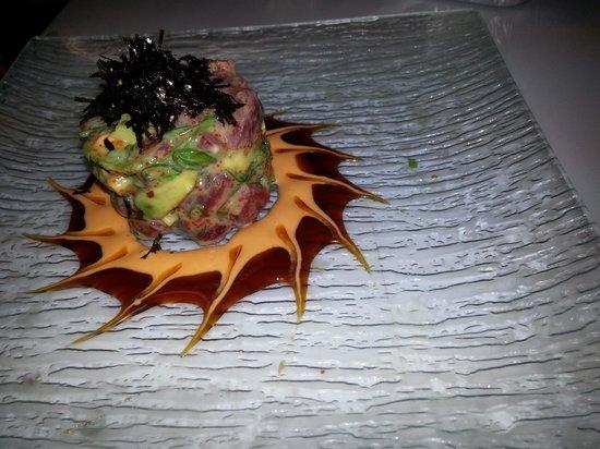 Casa Asia Tuna Avocado Salad
