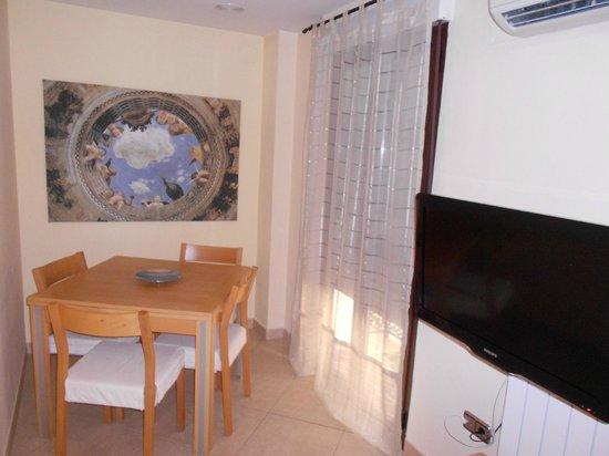 Apartamentos Centro: Dining area