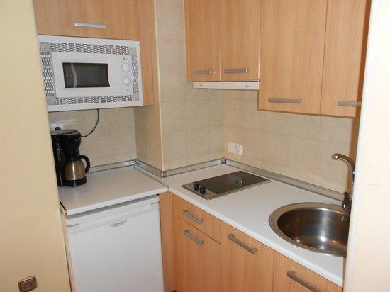 Apartamentos Centro: Kitchen