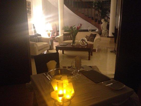 Petit Amour Villa: A cena