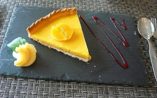 Hotel Restaurant Acadie Saint Victor : Tarte au citron