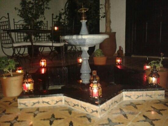 Riad Jomana : patio interior
